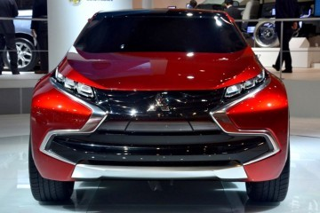 2014 Mitsubishi Concept XR-PHEV 14 - Copy