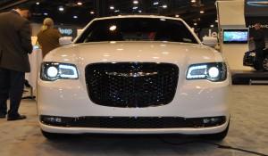 2015 Chrysler 300S 12