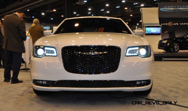 2015 Chrysler 300S 13