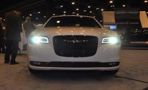 2015 Chrysler 300S 14