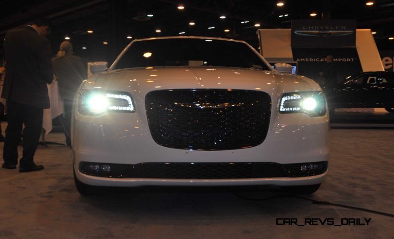 2015 Chrysler 300S 15