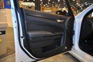 2015 Chrysler 300S 21