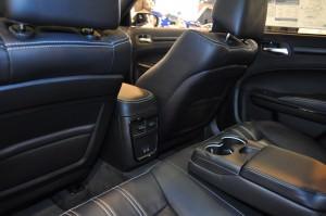 2015 Chrysler 300S 25