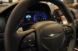 2015 Chrysler 300S 28