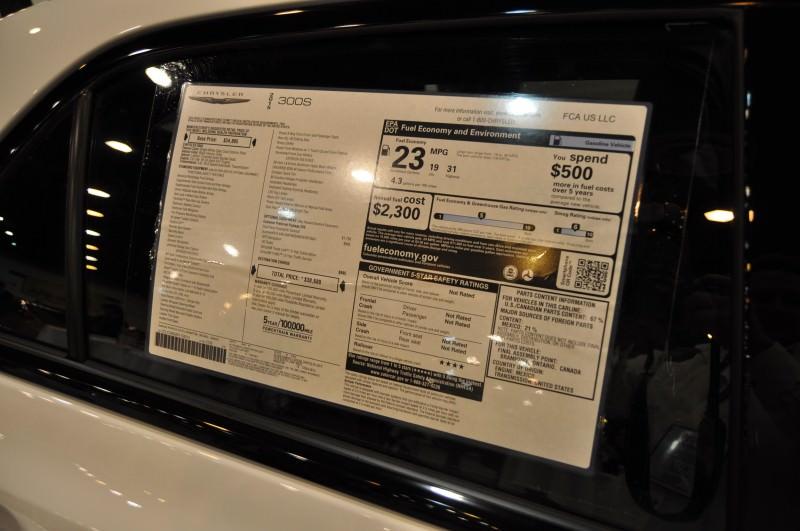 2015 Chrysler 300S 30