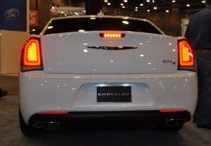 2015 Chrysler 300S 35