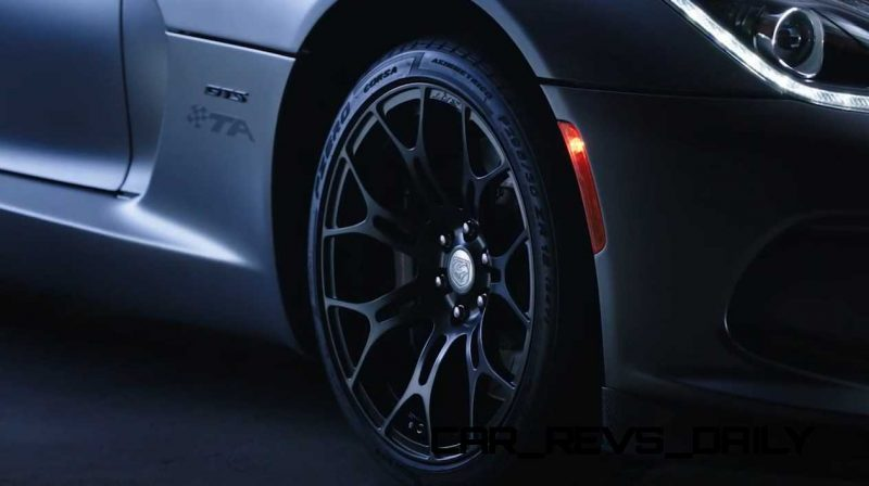 2015 Dodge Viper - DNA of a Supercar  21