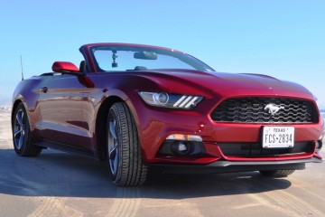 2015 Ford Mustang Convertible 18