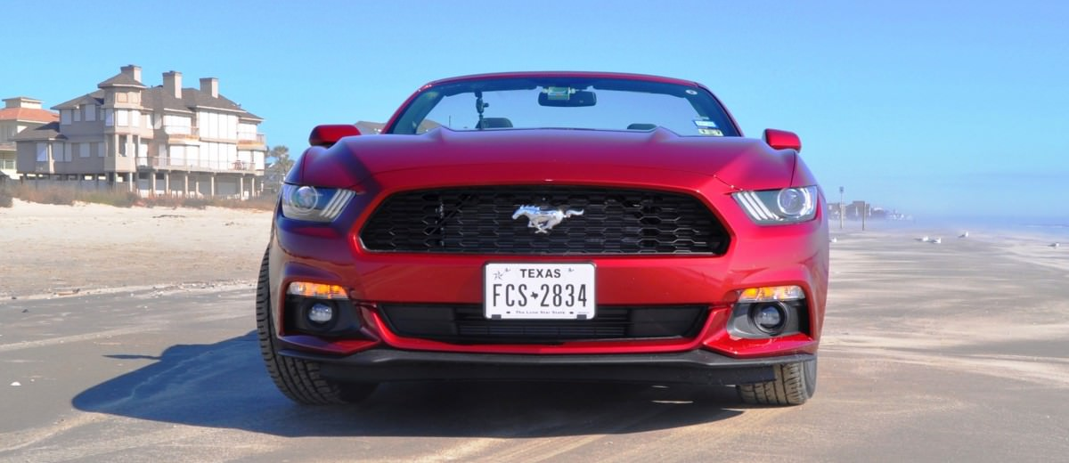 2015 Ford Mustang Convertible  25