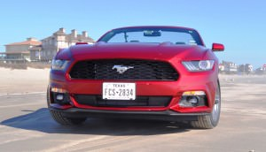 2015 Ford Mustang Convertible  27