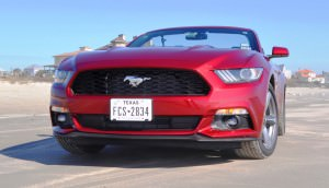 2015 Ford Mustang Convertible  28