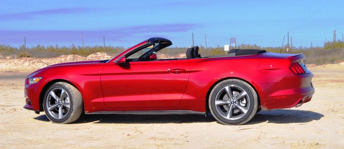 2015 Ford Mustang Convertible  3