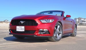 2015 Ford Mustang Convertible  31