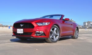 2015 Ford Mustang Convertible  32