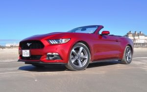 2015 Ford Mustang Convertible  34