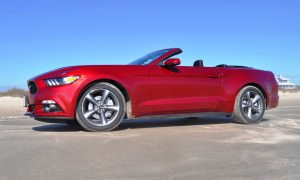 2015 Ford Mustang Convertible  37
