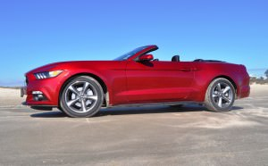 2015 Ford Mustang Convertible  38