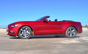2015 Ford Mustang Convertible  39