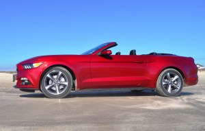 2015 Ford Mustang Convertible  40