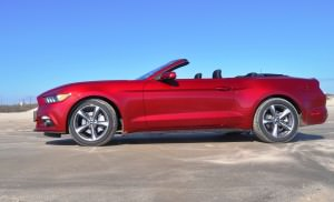 2015 Ford Mustang Convertible  43