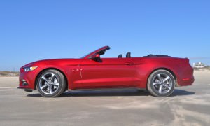 2015 Ford Mustang Convertible  45