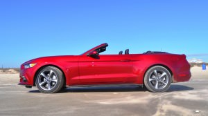 2015 Ford Mustang Convertible  46