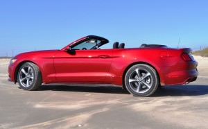 2015 Ford Mustang Convertible  52