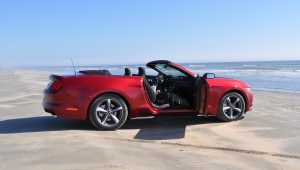 2015 Ford Mustang Convertible  75