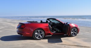 2015 Ford Mustang Convertible  76