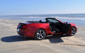 2015 Ford Mustang Convertible  77