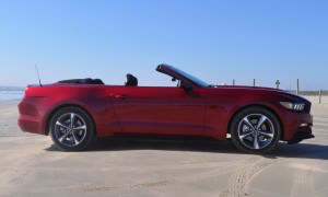 2015 Ford Mustang Convertible  8