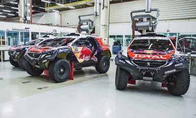 The Peugeot 2008 DKR in the Peugeot Sport Workshop,before the de