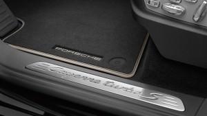 2015 Porsche Cayenne Turbo S 12