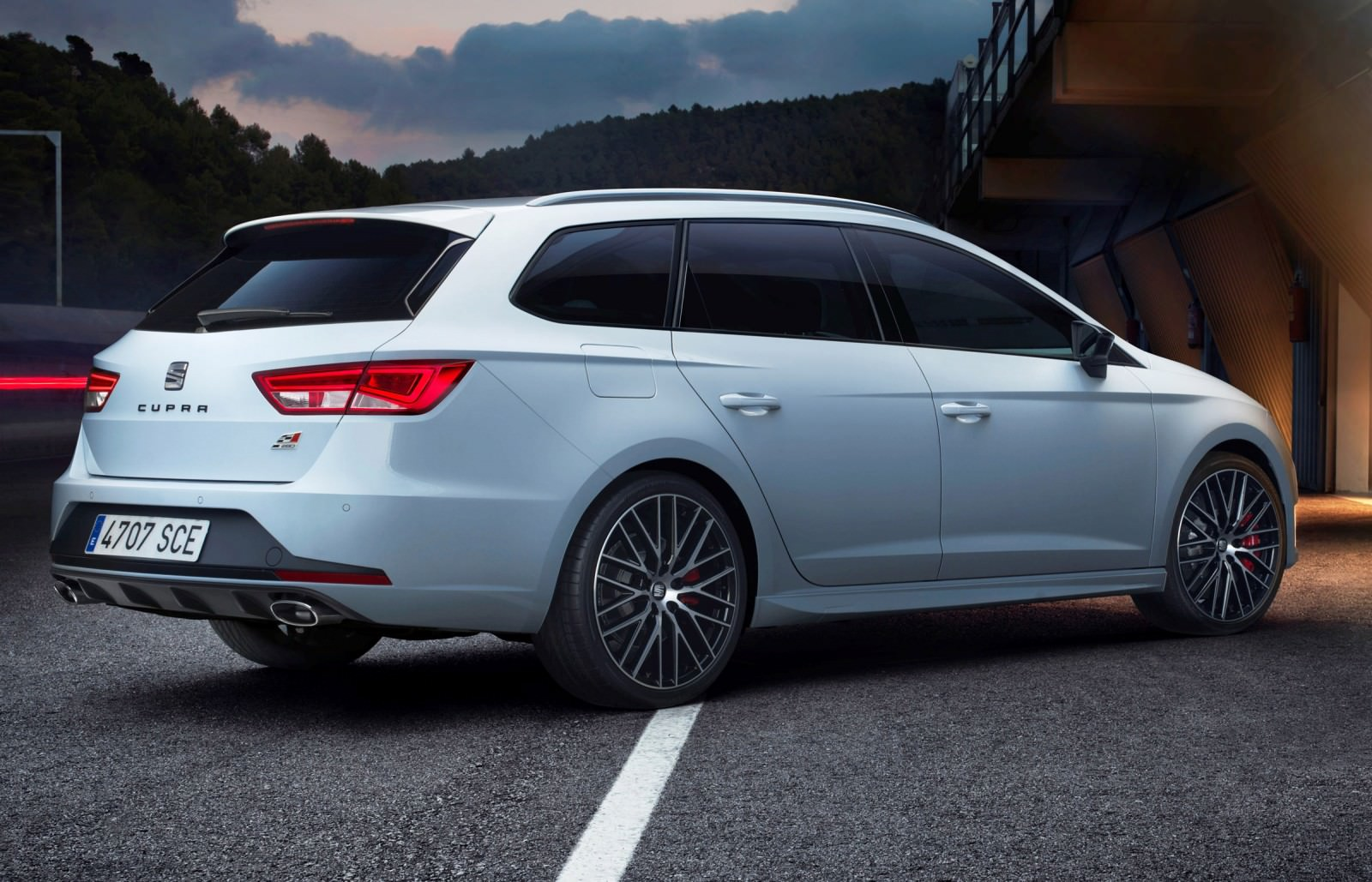 2015 seat leon cupra st wagon. Black Bedroom Furniture Sets. Home Design Ideas
