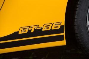 2015 Toyota GT86 Giallo 21