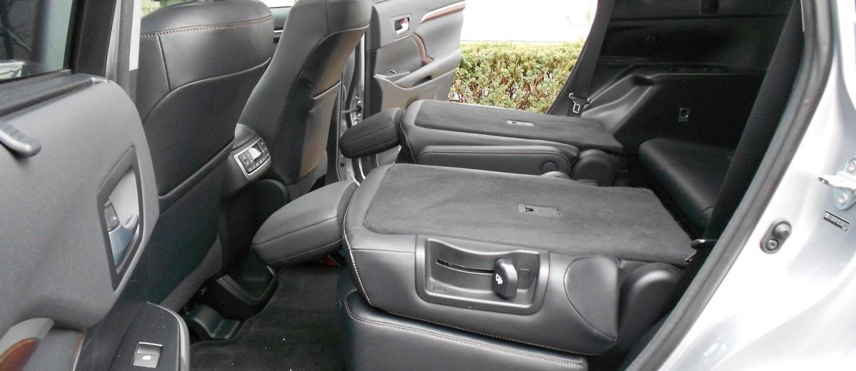 2015 Toyota Highlander Hybrid Review 5