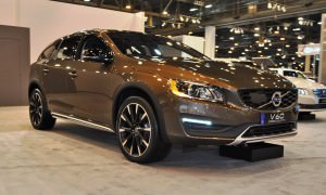 2015 Volvo V60 Cross Country 1