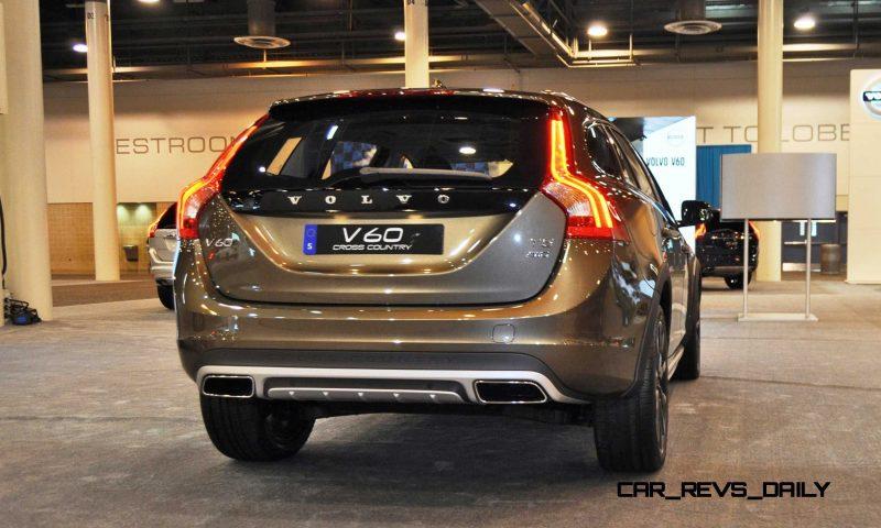 2015 Volvo V60 Cross Country 10