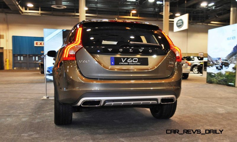 2015 Volvo V60 Cross Country 12