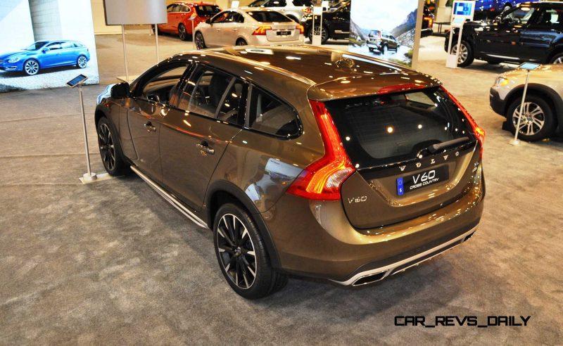 2015 Volvo V60 Cross Country 14