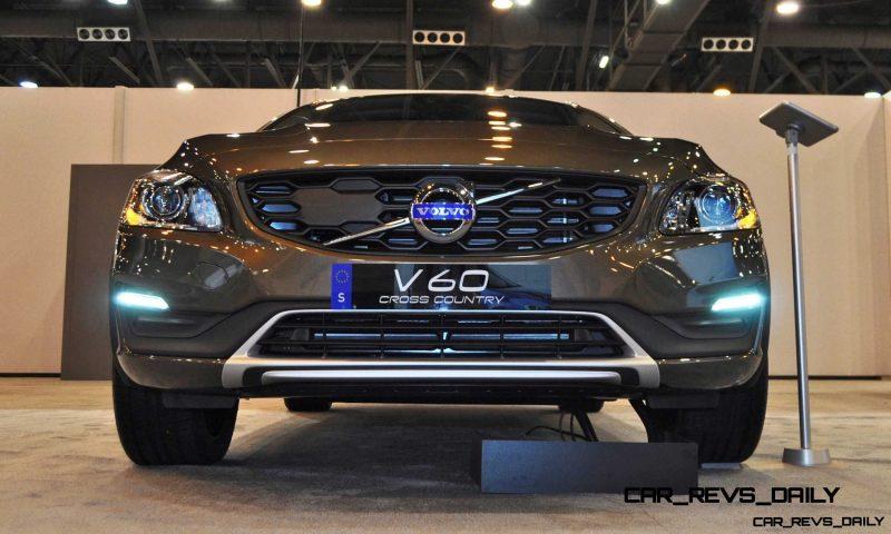 2015 Volvo V60 Cross Country 16