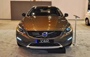 2015 Volvo V60 Cross Country 18