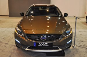 2015 Volvo V60 Cross Country 19