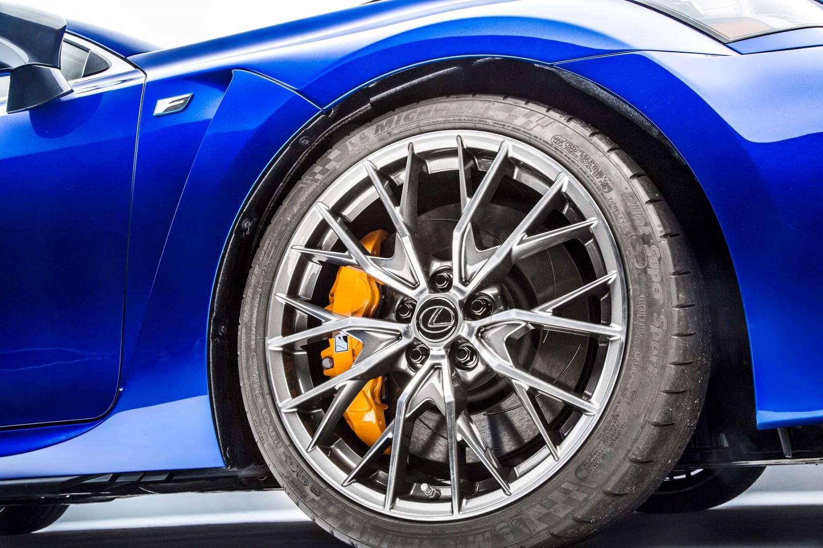 http://www.car-revs-daily.com/wp-content/uploads/2015/01/2016-Lexus-GS-F-15-1600x1067.jpg