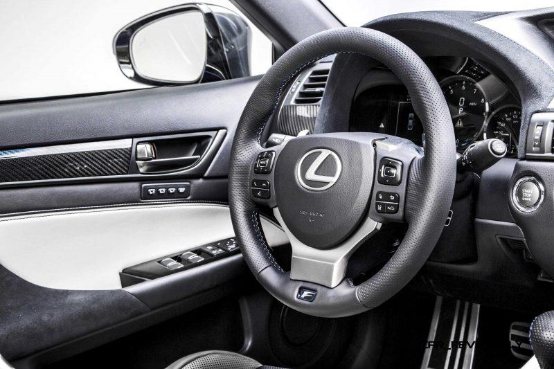 2016 Lexus GS F 18