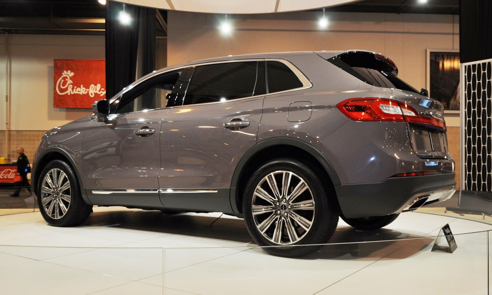 2016 Lincoln MKX Photos and Info  News  Car and Driver
