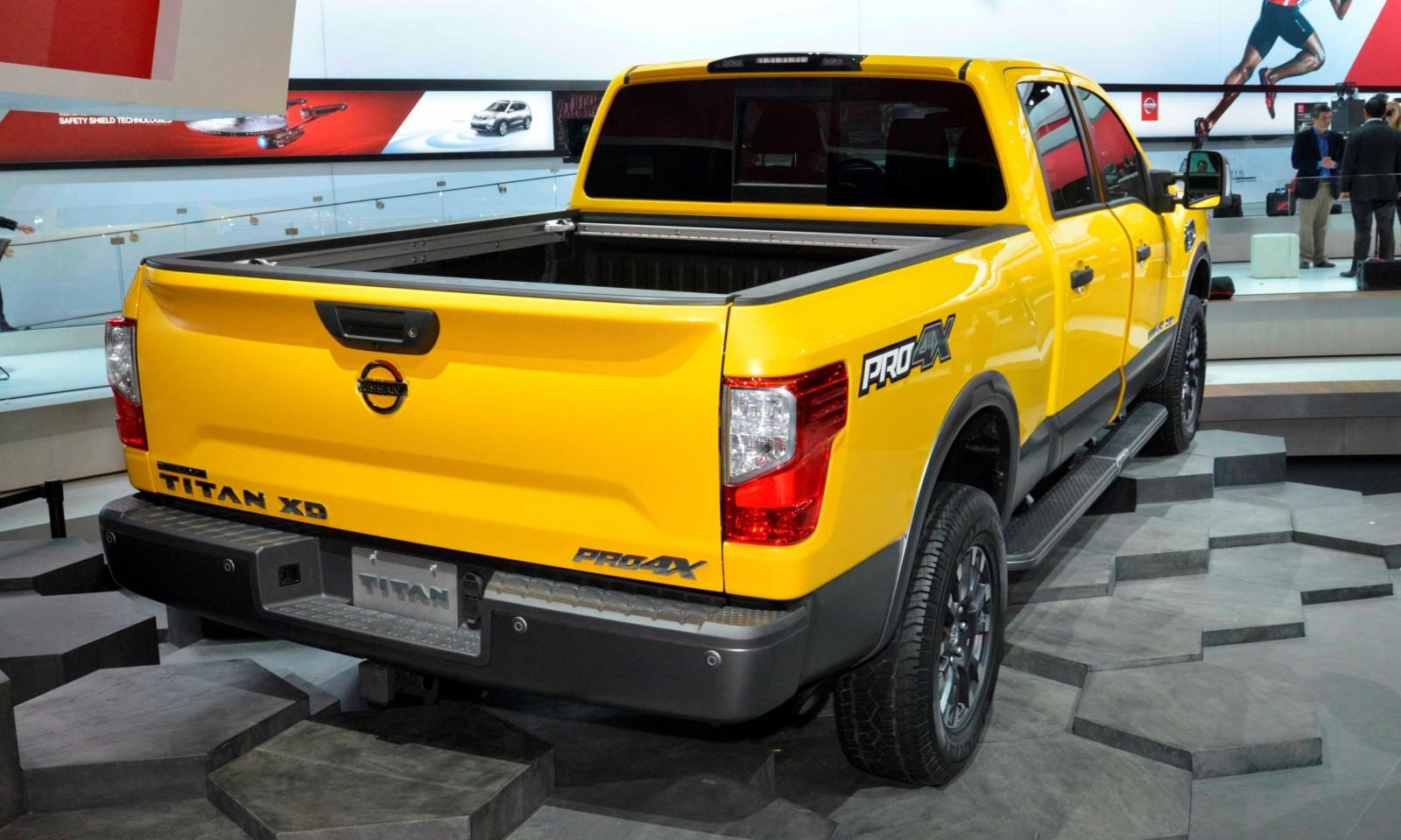 2016 Nissan TITAN XD 4