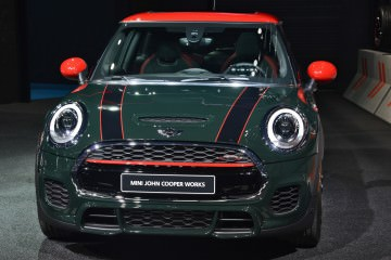 2015 MINI John Cooper Works Hardtop Priced at $30k – Looks as Exciting as a Warm Nap