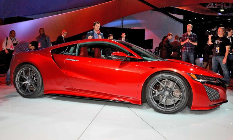 Detroit NAIAS 2015 Showfloor Gallery 47