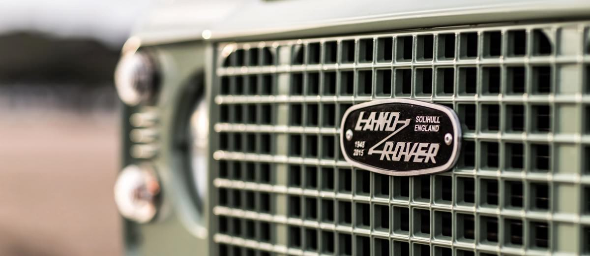 Land Rover Honors 2015 Defender Retirement with Trio of Special Editions 20